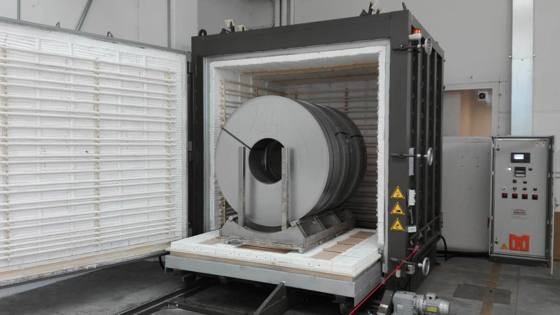 Forno industriale per Forni a carro da rinvenimento, temperatura massima 1000°C | Pagnotta Termomeccanica