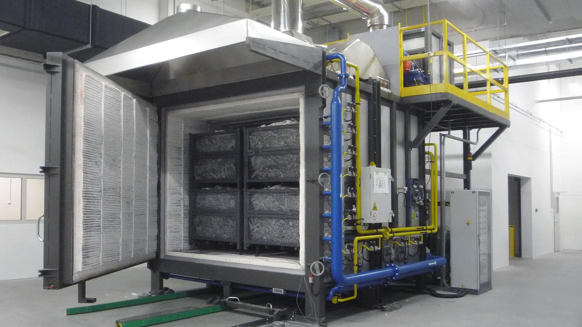 Forno industriale per Forno a camera con stacker truck per carico/scarico | Pagnotta Termomeccanica