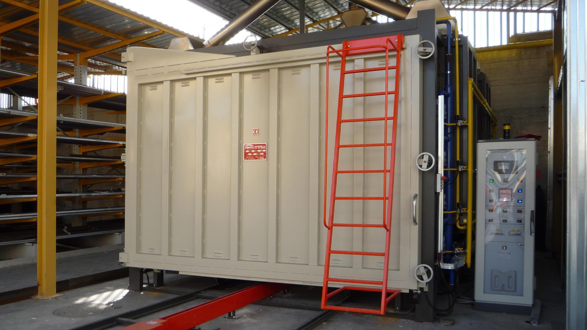 Forno industriale per Forni a carro per distensione carpenterie saldate con riscaldo a gas naturale | Pagnotta Termomeccanica