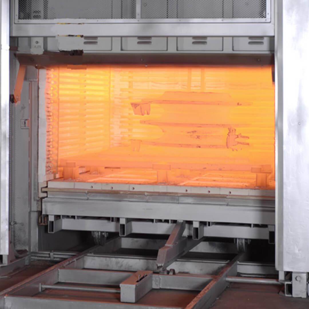 Forno industriale per Forno elettrico da tempra con spegnimento in acqua | Pagnotta Termomeccanica