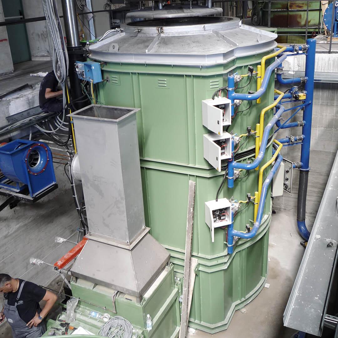 Forno industriale per Frono a pozzo a combustione con storta in Incoloy DS | Pagnotta Termomeccanica