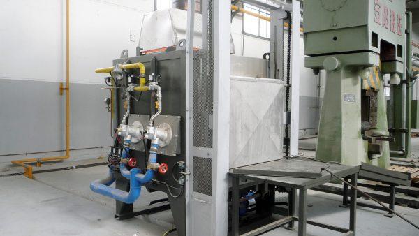 Forno di riscaldamento per stampaggio a caldo | Pagnotta Termomeccanica
