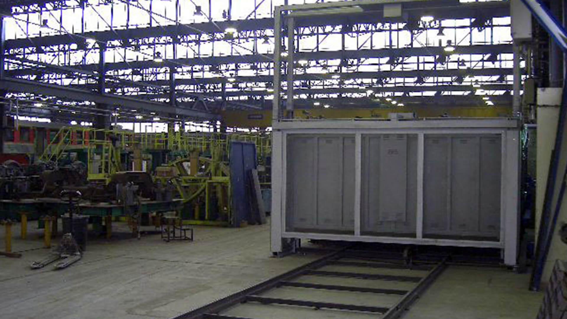 Forno industriale per Forno elettrico a carro da distensione carpenterie ferroviarie | Pagnotta Termomeccanica