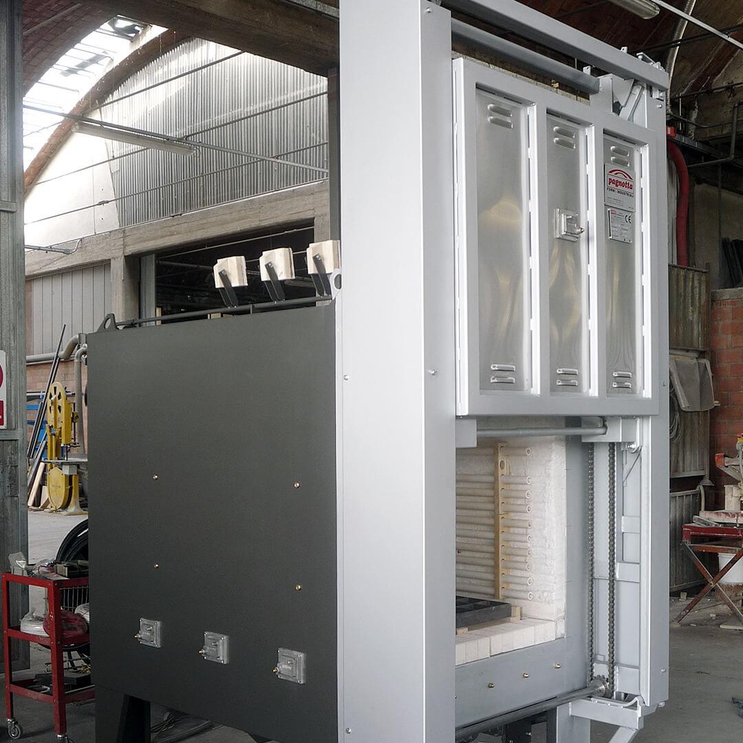 Forno industriale per Muffola da tempra con porta automatica a ghigliottina | Pagnotta Termomeccanica